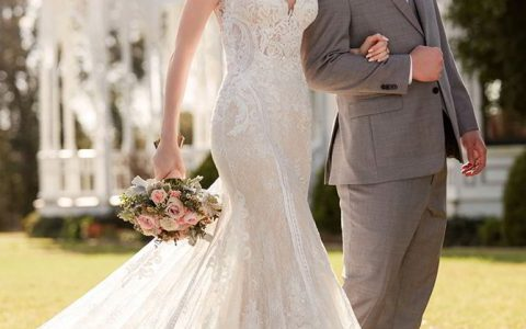 Martina Liana Fall 2017 French-Inspired Lace Wedding Dress