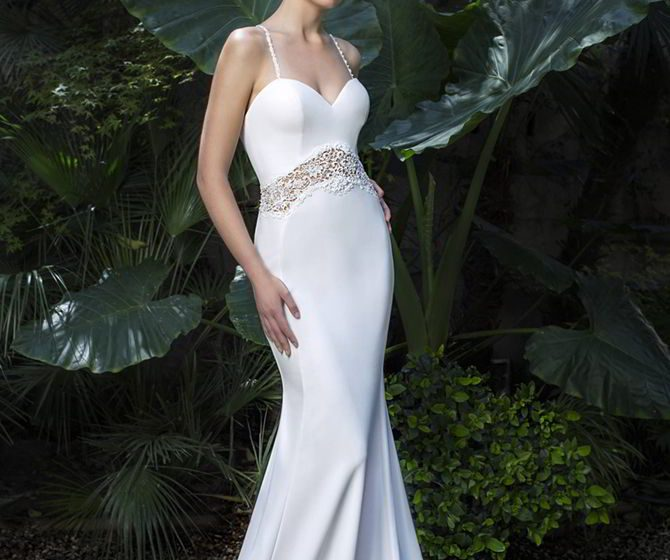 Miquel Suay 2017 Sensual mermaid bridal dress with big tail and thin straps