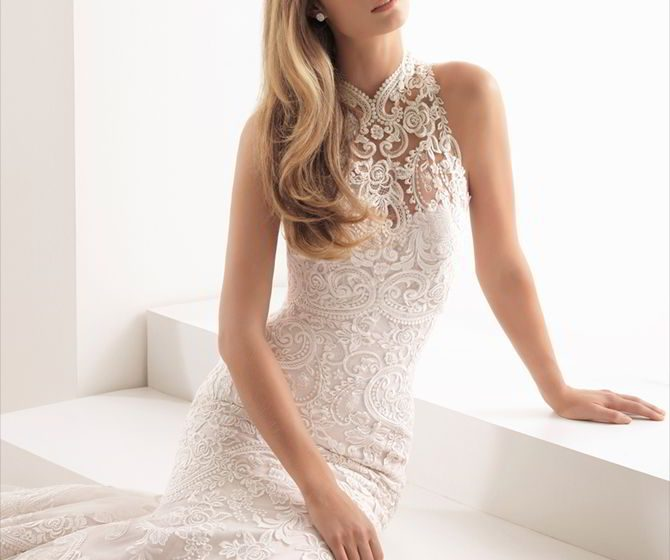 Aire Barcelona 2018 stunning mermaid wedding dress with Hollywood-inspired sweetheart neckline