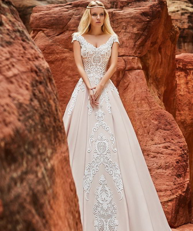 Oksana Mukha 2018 Wedding Dress