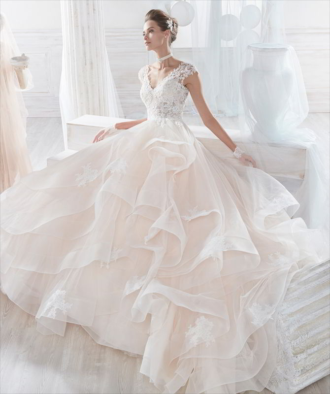 Nicole Spose 2017 Light pink wedding ball gown in tulle with rebrode beaded lace